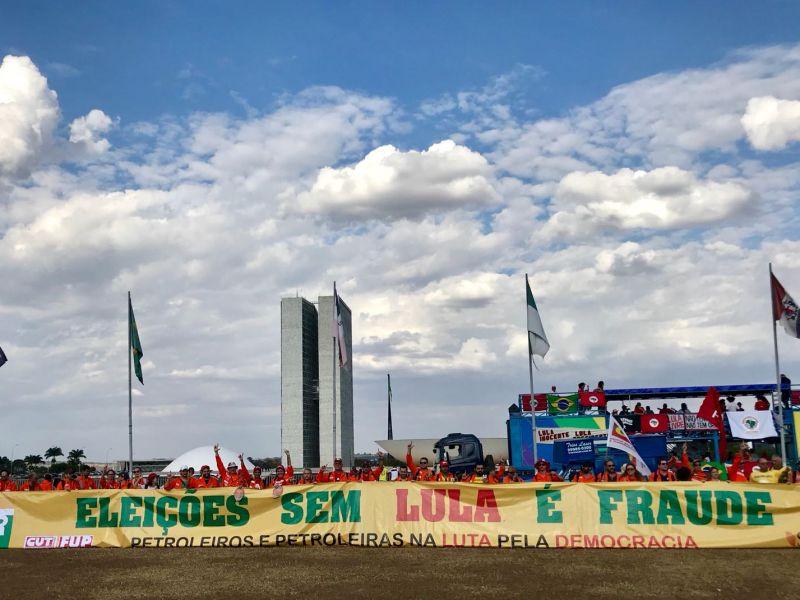 petroleiros-braslia-faixa-congresso